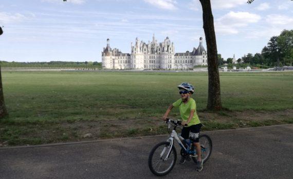 Castelli della Loira_bambino in bici