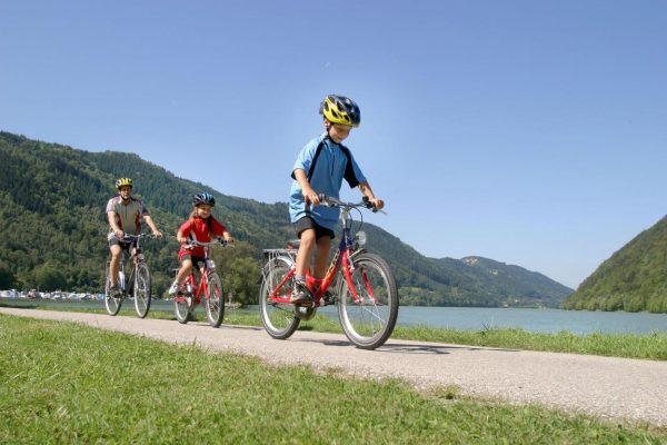 famiglia, bambini in bici, linz- vienna, bici e vacanze, vacanze sostenibili