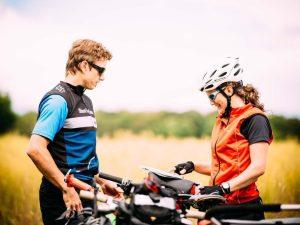 persone in bici tour danimarca isola di funene