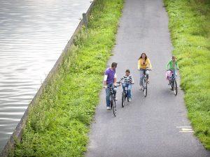 Vacanza in bicicletta, ciclabile, fiume, fiandre, bruges