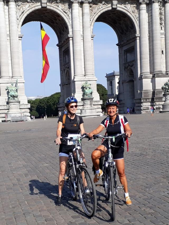 donne in bicicletta; women on bikes