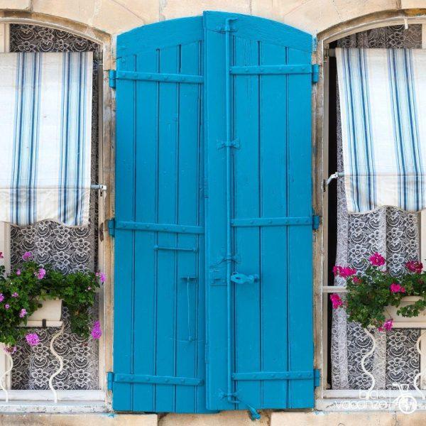 provenza finestra colorata