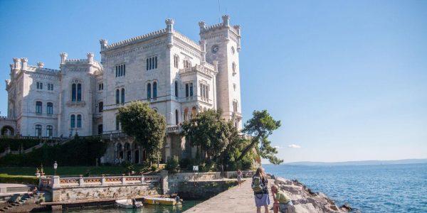 Castello Miramare Trieste_ Friuli in bici _ Bici & Vacanze