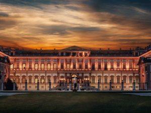 villa reale monza vista notturna illuminata