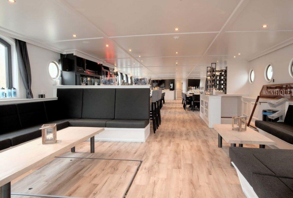 02-magnifique-III-barge-holland_tour tulipani_bici e vacanze