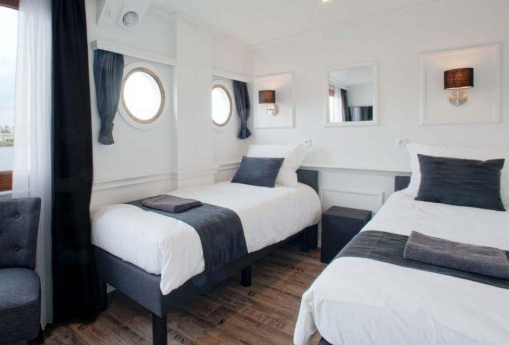 04_Magnifique_II_bici e barca_bici e vacanze_cabina