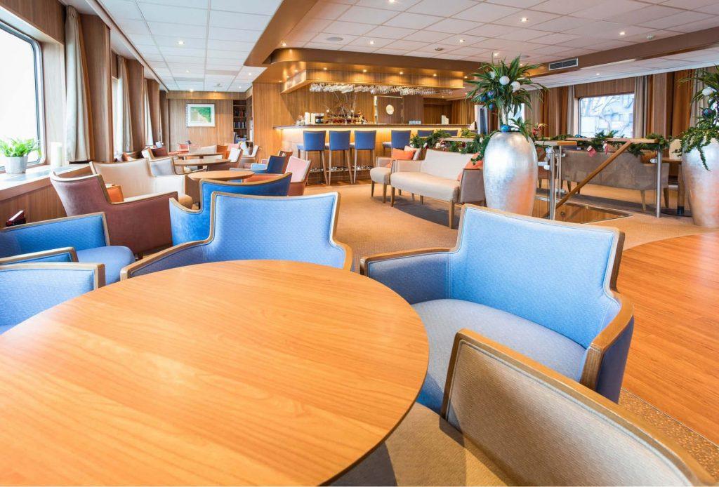 sala interna barca de amsterdam olanda bicii e vacanze
