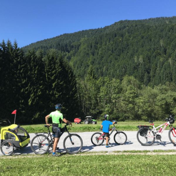 famiglia cicloturismo vacanze in bicicletta
