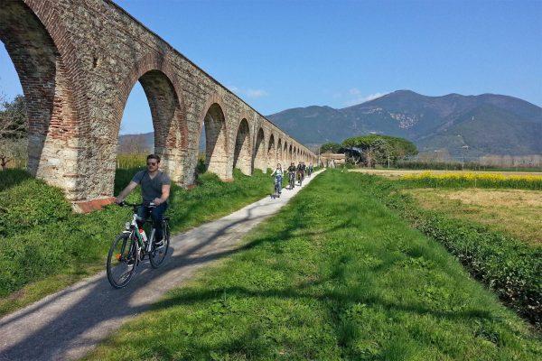 acquedotto romano bici e vacanze