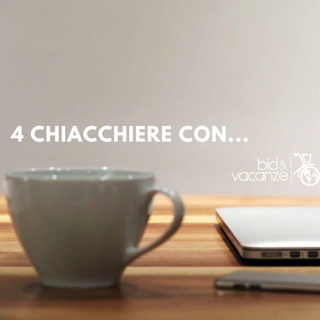 4 chiacchiere con. tazza, caffè, computer