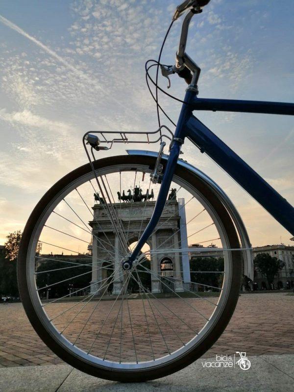 milano arco della pace, ruota della bicicletta