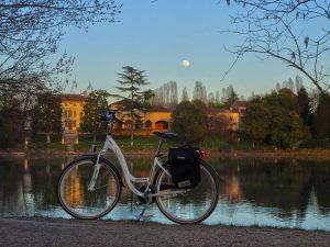 bicicletta, castello, acqua