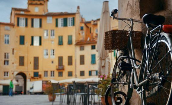 piazza lucca bici