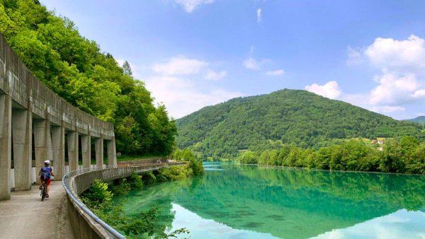 fiume isonzo pista ciclabile bici e vacanze