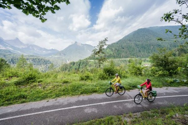 montagna persone in bici