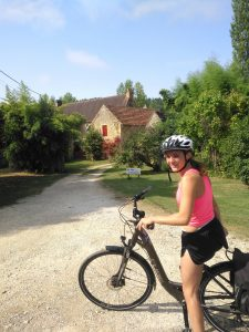 ragazz in bici, girls on a bike, dordogne