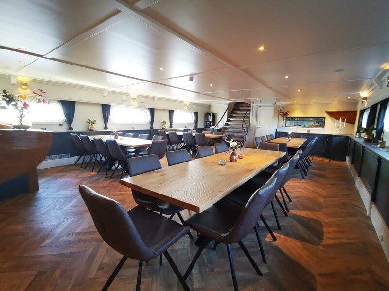 ristorante barca